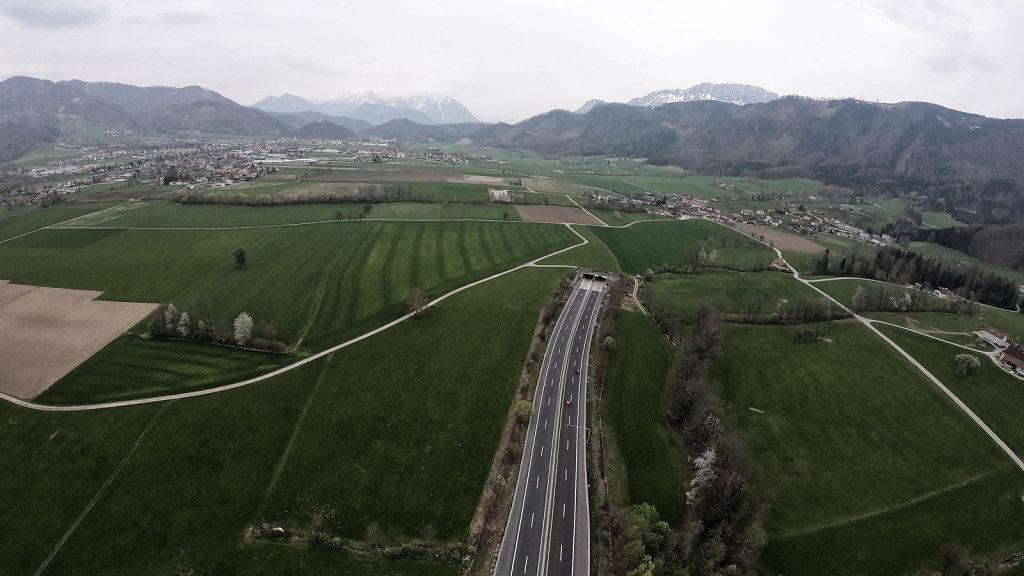 Autobahn / Nagelbett